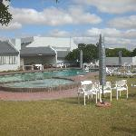 Pool mit Außengrill