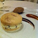 Macaroon with expresso ice cream