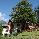 L'hôtel niché dans les montagnes