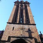 Der grosse Backsteinturm der Kirche Holy Trinity New York - auf der Upper Eastside