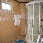 Bathroom room 402