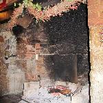 Bar log fire
