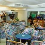Los Atlantes Lobby Bar
