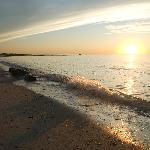 Cape Cod Bay beaches are an 8 minute stroll from the inn.