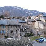 裏手(北側)には昔の城下町みたいな風景が!