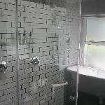 Double shower and bath