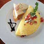 House special omlet with avacodo, bacon and manchego cheese.  Yum.