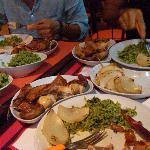 galitos (grilled chicken), cebola (onion) and arroz de brócolis (broccoli rice)