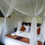 Bett Zimmer 102