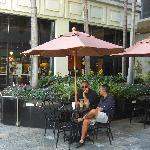 صورة فوتوغرافية لـ Starbucks Bishop