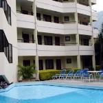 House Inn & Suites