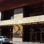 4-Salta-Hotel Alejandro I Internacional: Acceso principal