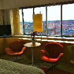 Chambre et vue. Fauteuil Arne Jacobsen