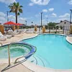 TXComfort Suites Pool FIN