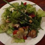 Salade pois chiche, légumes grillés et feta