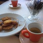 biscottini e caffè