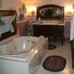 The Franklin Suite Bathroom