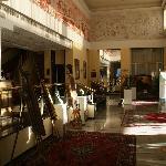 El hall del hotel con el encanto de los setenta