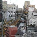 左・山手・中・京浜東北・奥の橋に中央線が通る音が響く場合がある。