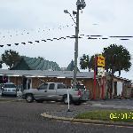 Gilligan' on West 98