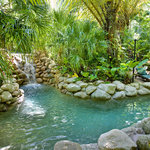 Tranquil rock pool at Kewarra Beach Resort