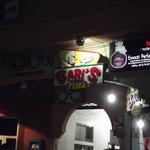 Foto de Bari's Pizza