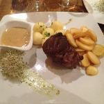 Filet-Steak with peppersauce, kluski and potatoe slices