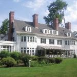 Four Chimneys Inn: Old Bennington, Vermont