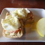 Eggs Benny at Jojo's