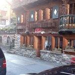 C21 Restaurant - Bar - Club et Terrasse après ski!!