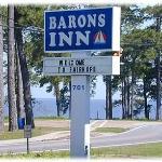 Barons By The Bay Inn Foto