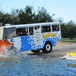 Tur Kendaraan Amfibi