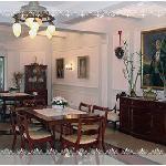 Restaurant interior evokes tradition and royalty...