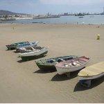 Barcas de pescadores en la arena