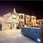 Riverbank Bar & Kitchen