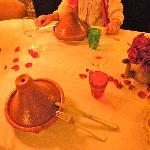 Il piatto tradizionale del Tajine servito con gamberetti. Eccellente.