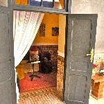 L'entrata  della nostra camera al primo piano. decorata nei minimi dettagli, e pulitissima.