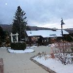 Convenient village with country store, restaurants and bars