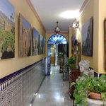 Entrada al Hostal virgen del Rocio, Ronda