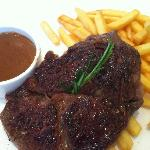 Signature steak frites