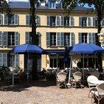 Foto de Le Cafe Bleu Roi