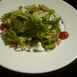 Walnut and Goat Cheese Salad