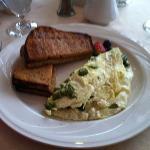 that gorgeous egg white omelet with asparagus & feta