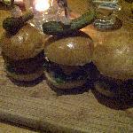 3 mini burgers
