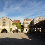 Monpazier market square