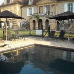 Piscine Château les Merles