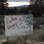 Zdjęcie Cowboy Dinner Tree Restaurant