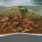 Tacu tacu con mariscos en el restaurante del hotel