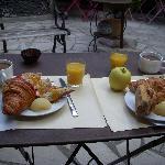 Villa Nina breakfast