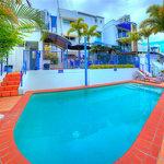 Surfers Beach Resort One Foto